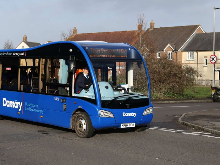 Photo of a Damory bus operating the X8A Blandford Town Circular route